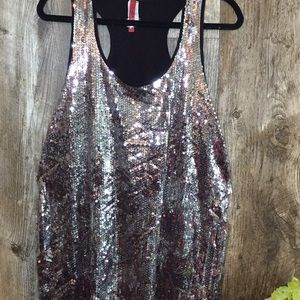 1X  Gorgeous Sparkle Top by Tooia
